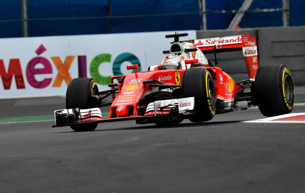 Vettel sorprende y Hamilton se sitúa por delante de Rosberg